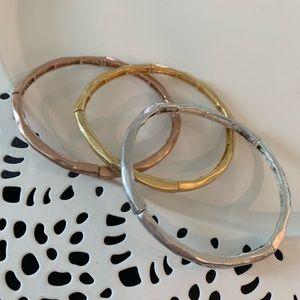Set of 3 pull on stretch bracelets